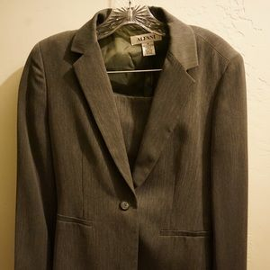 Alfani brand business suit with jacket and skirt